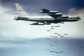 B52 bombardeando Vietnam