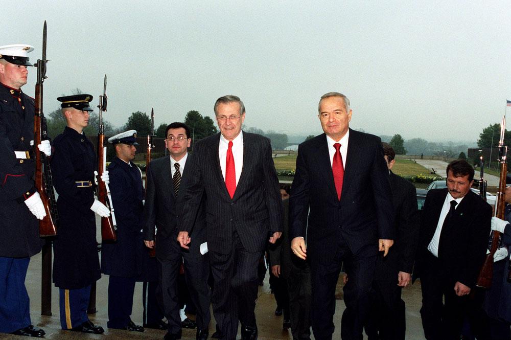 Visita oficial de Donald Rumsfeld a Uzbekistan